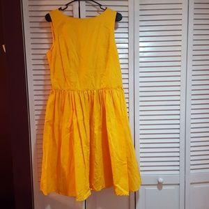 Dresses & Skirts - Sleeveless yellow flared dress